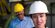 Женщина-строитель