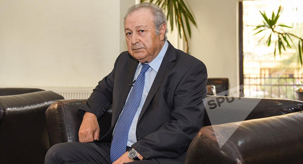 Первый президент Азербайджана (1990-1992) Аяз Муталлибов во время интервью агентству Sputnik. Баку, 29 июля 2016 года