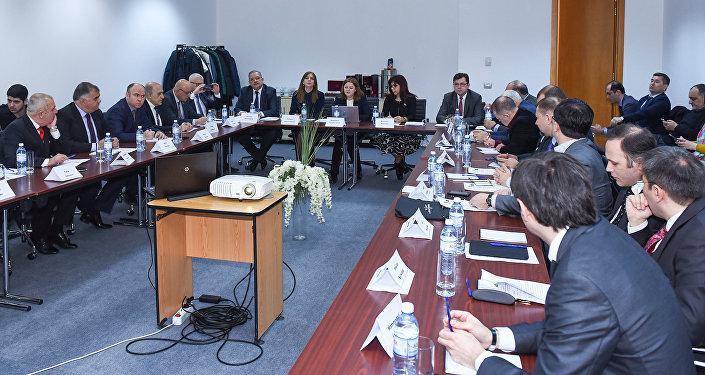 Круглый стол на тему Россия-Азербайджан: 25-летие дипломатических отношений. Стратегия партнерства