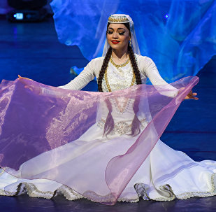 Концерт Государственного танцевального ансамбля Азербайджана, приуроченный к открытию Бакинского шопинг-фестиваля