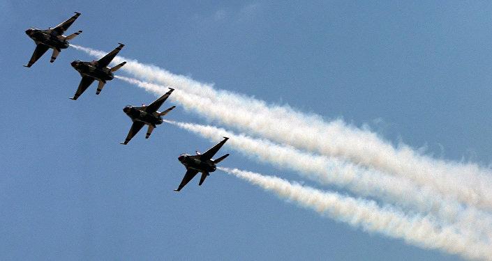 ABŞ F-16 qırıcıları