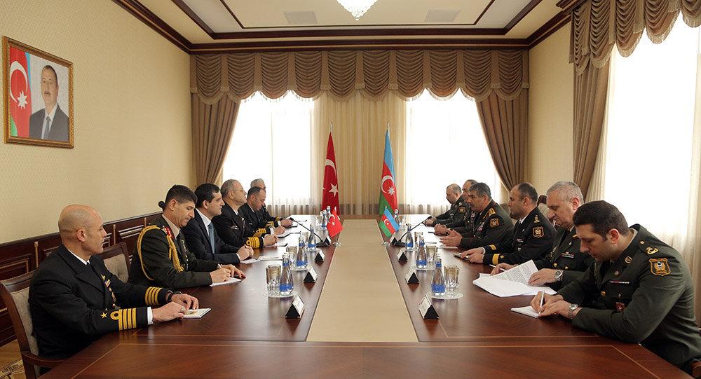 Командующий ВМС Турции находится софициальным визитом вАзербайджане