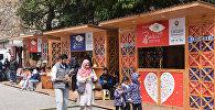 Торговые павильоны шоппинг-фестиваля в Баку.