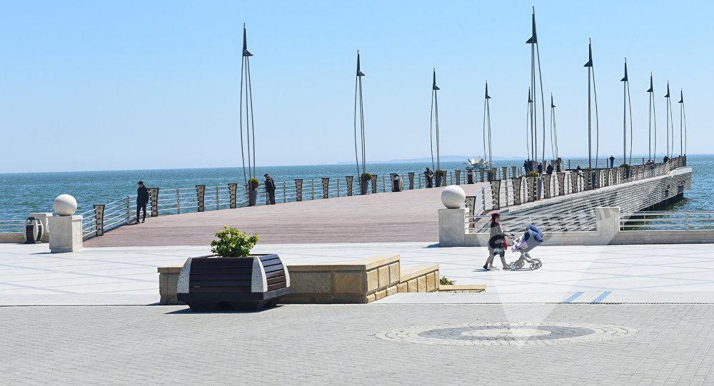Приморский парк в Баку