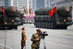 Şimali Koreyada hərbi parad, arxiv şəkli