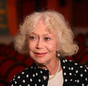 Актриса Светлана Немоляева, фото из архива