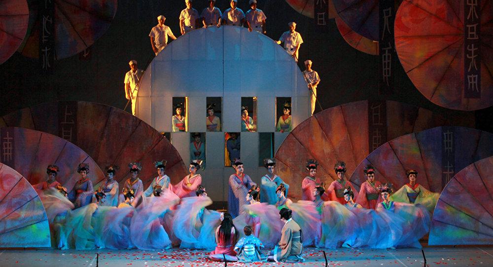 Madam Batterflyay operasının tamaşası