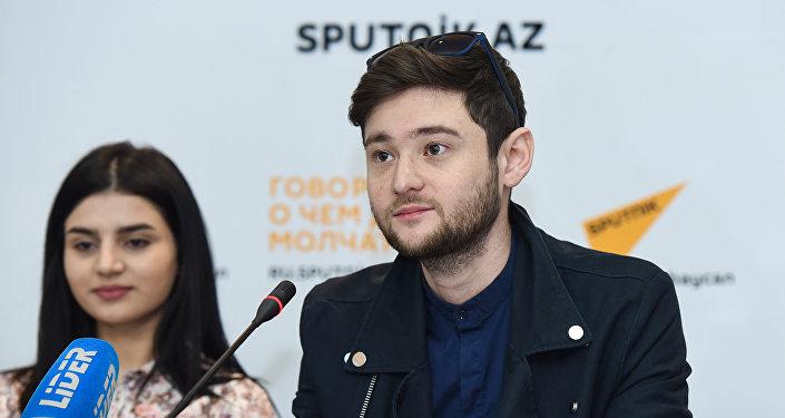 Победитель конкурса Евровидение 2012 Эльдар Гасымов на пресс-конференции Парваны Алджановой