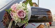 Свадебный автомобиль, фото из архива