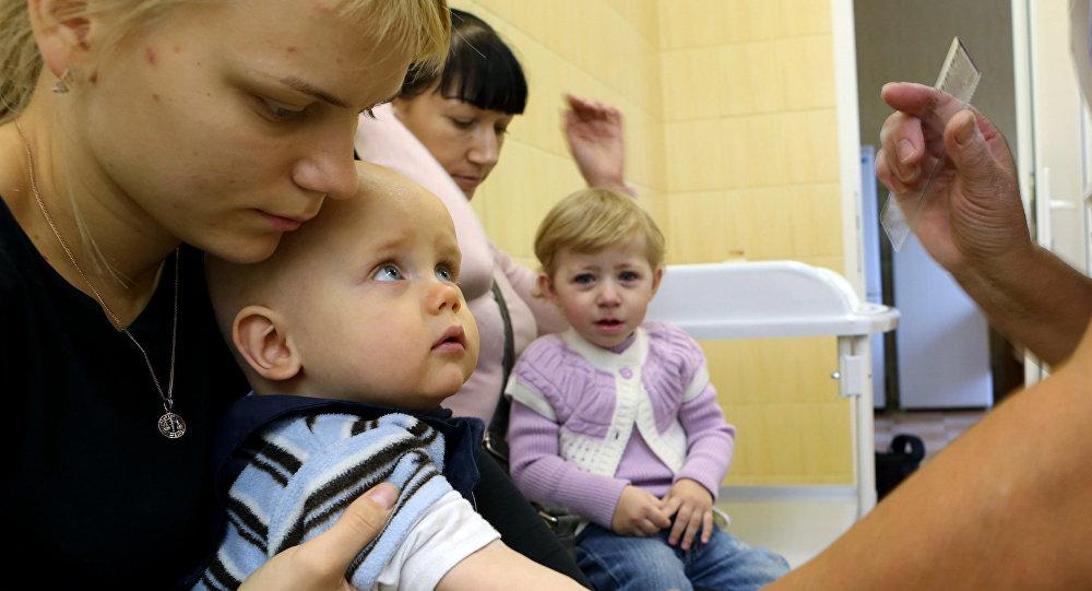 Вакцинация детей, фото из архива