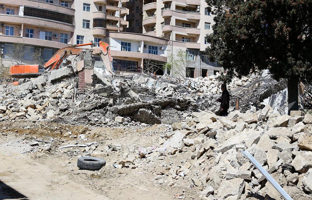 Ситуация на территории вокруг снесенного Дома охотников по улице Гасанбека Зардаби в Ясамальском районе