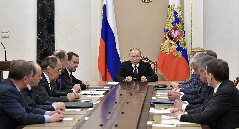 Путин созвал Совет безопасности