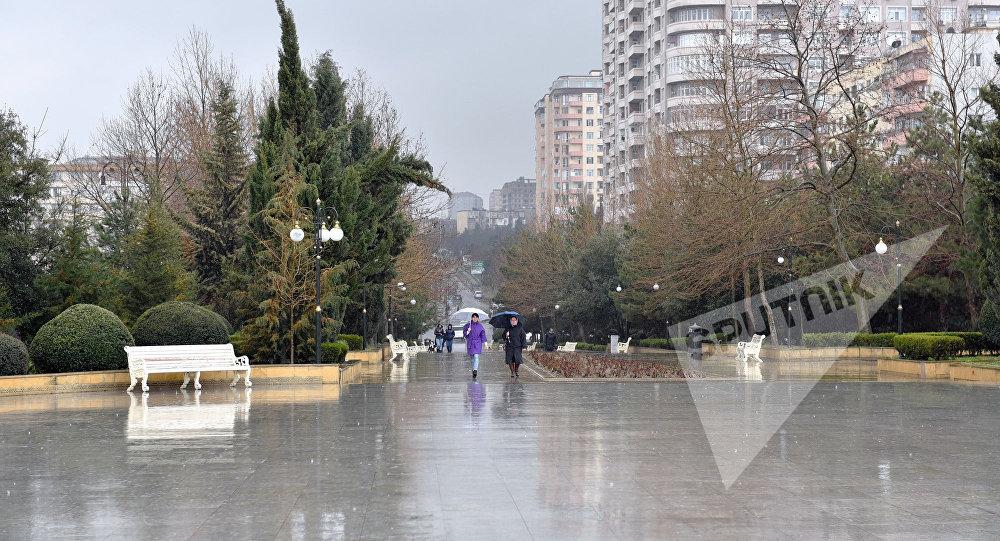 Дождливая погода в Баку