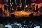 Выступление ансамбля духовых инструментов Baku Brass в Центре мугама в Баку