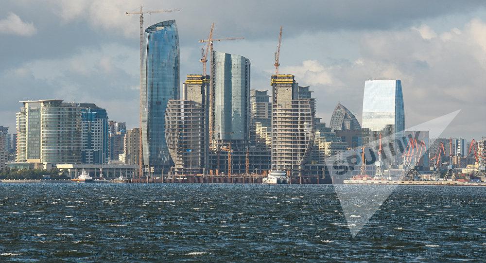 Вид на многоэтажные здания в Баку, фото из архива