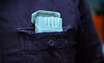 Пачка сигарет в кармане рубашки, фото из архива