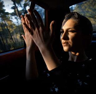 Кадр из  клипа Дианы Гаджиевой Skeletons