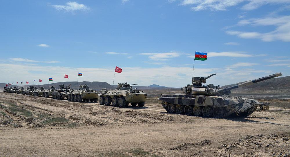 Турция иАзербайджан начали общие военные учения
