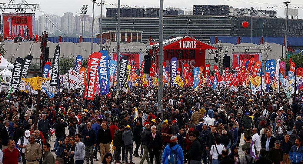 İstanbulun Bakırköy rayonunda 1 may aksiyası