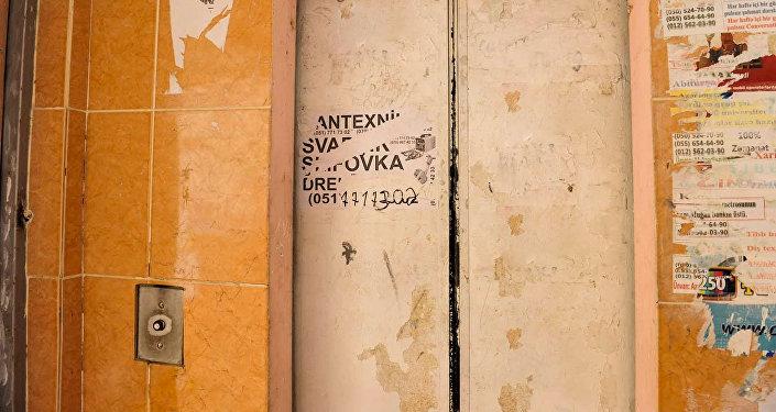 Старый лифт в одном из бакинских домов, фото из архива