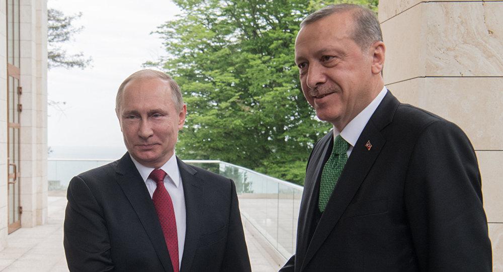 Президент РФ Владимир Путин и президент Турции Реджеп Тайип Эрдоган во время встречи, 3 мая 2017 года