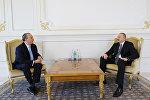 Президент Азербайджана Ильхам Алиев принял президента Фонда этнического взаимопонимания США Марка Шнайера