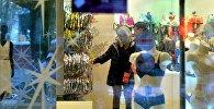 Покупатели в магазине нижнего белья, фото из архива