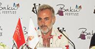 Джанлука Вакки, прославившийся под прозвищем танцующий миллионер, на конференции, посвященной Бакинскому Шопинг-фестивалю