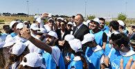 Ильхам Алиев принял участие в акции по посадке деревьев, посвященной дню рождения великого лидера Гейдара Алиева