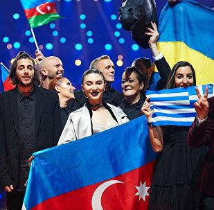 Команда Дианы Гаджиевой в ходе первого полуфинала Евровидения-2017