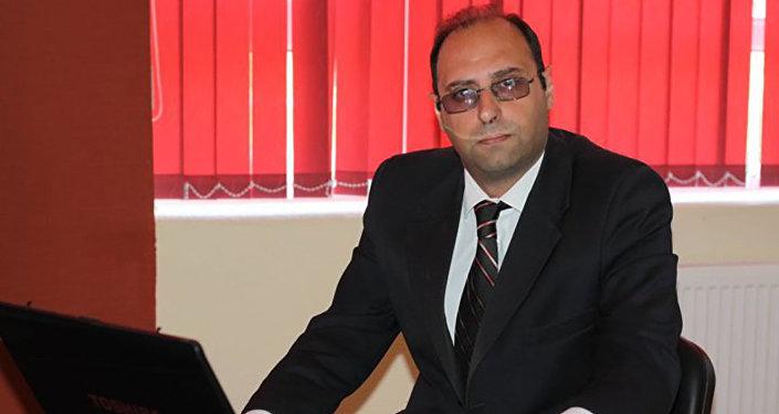 Oqtay Sadıxzadə
