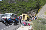 Авария микроавтобуса с туристами в районе Мармариса на трассе Мугла-Анталья