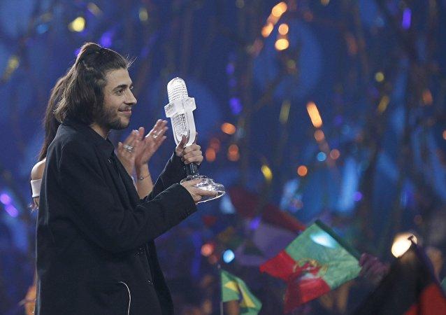 Победитель конкурса Евровидение-2017 Сальвадор Собрал празднует победу