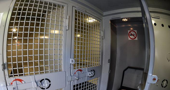 Автомобиль для перевозки подозреваемых и обвиняемых, фото из архива