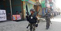 Силы безопасности Афганистана на месте взрыва в Джелалабаде, 17 мая 2017 года