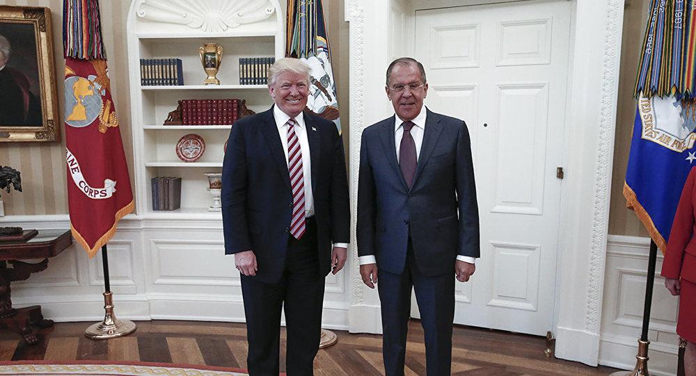 Президент США Дональд Трамп и министр иностранных дел России Сергей Лавров