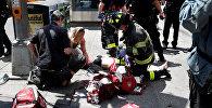 Полицейские на месте наезда автомобиля на пешеходов в Нью-Йорке