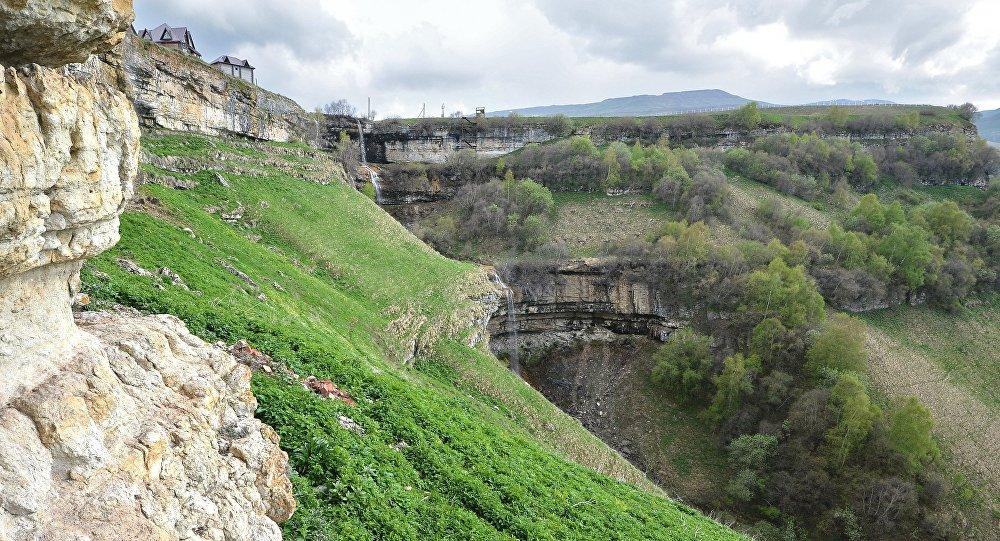 Кавказские горы, фото из архива