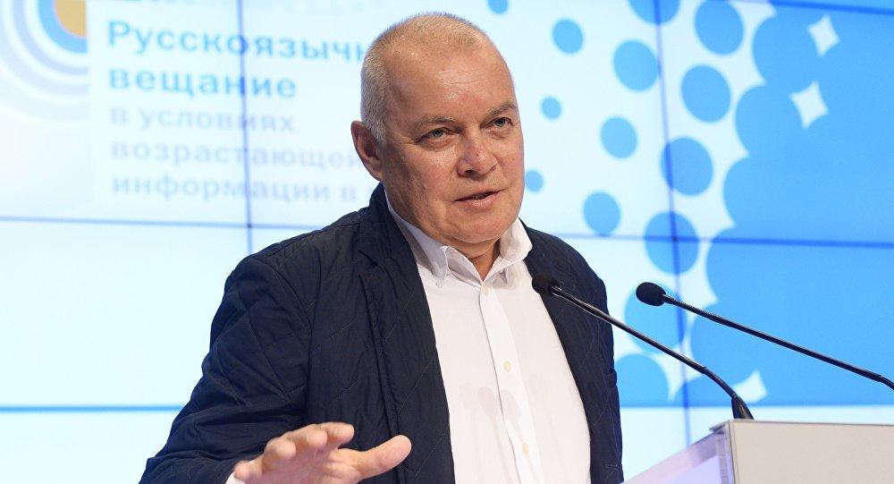 Генеральный директор МИА Россия сегодня Дмитрий Киселев выступает на третьем Международном форуме русскоязычных вещателей