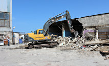 Sumqayıt şəhəri Şərq bazarının qarşısında söküntü işləri