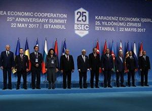 Главы делегаций стран-участниц ОЧЭС в Стамбуле