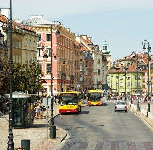 Одна из центральных улиц Варшавы, фото из архива