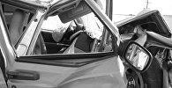Разбитый автомобиль, фото из архива