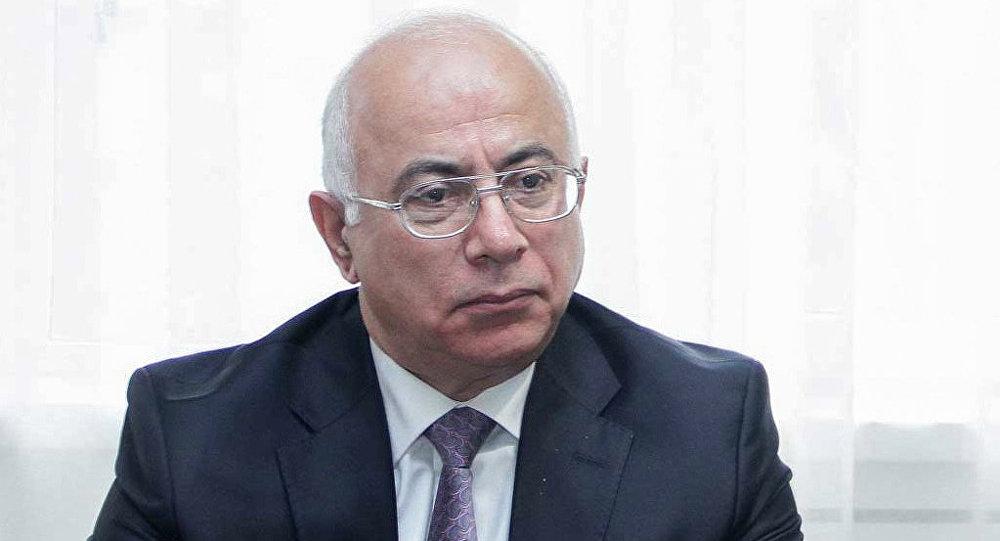 Professor Anar İsgəndərov