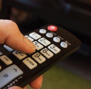 Дистанционный пульт управления от телевизора, фото из архива