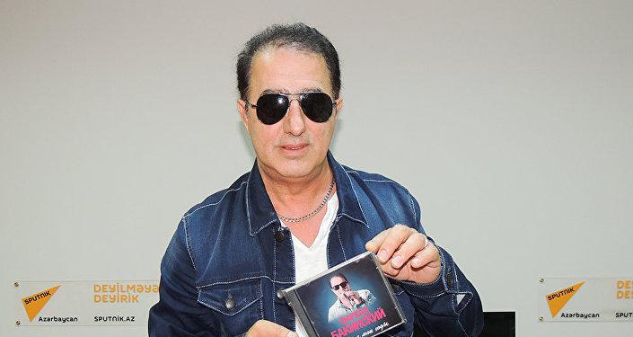 Азербайджанский исполнитель Фархад Бакинский
