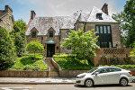 Barak Obama, ailəsi ilə birgə Vaşinqtonda kirayə qaldıqları ev