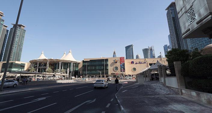 Вид на одну из центральных улиц Дохи