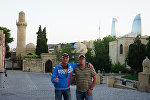Российские путешественники Валерий Смолюк и Олег Уваров посетили Азербайджан
