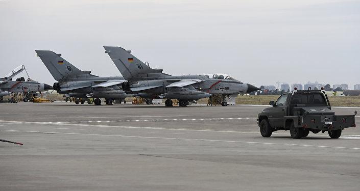 Немецкие истребители Торнадо на авиабазе Инджирлик